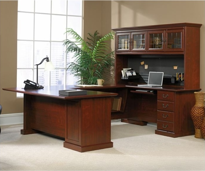 Executive u-shaped desk